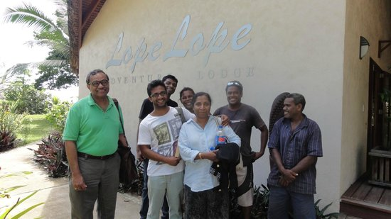 Lope Lope Lodge: Front of Lope Lope