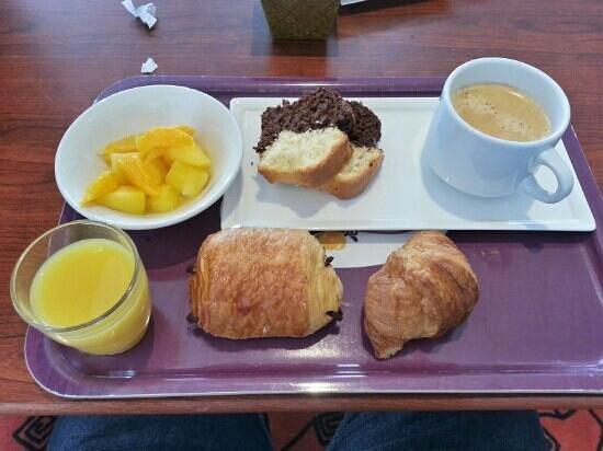 Hotel Ibis Chateauroux: petit déjeuner de 7h30 à 10h00