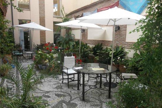 Abadia Hotel Granada: le patio