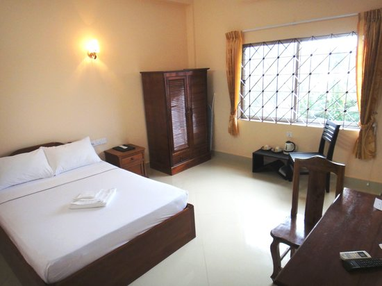 Kampot Riverside Hotel: Standard Single / Double Room