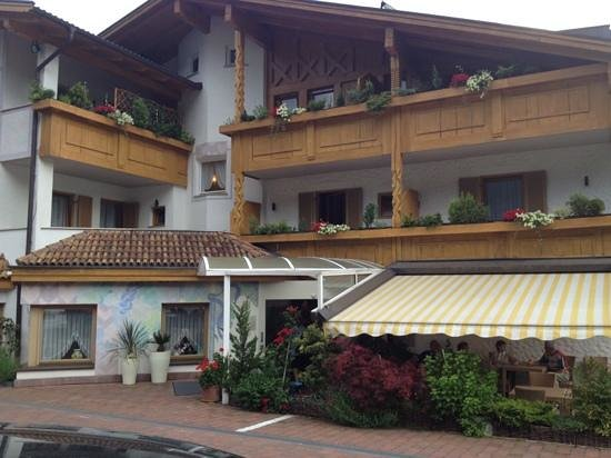 Hotel FleurAlp : entrata