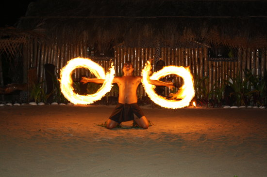 Robinson Crusoe Island Resort: Amazing Fire Dancer at RCI