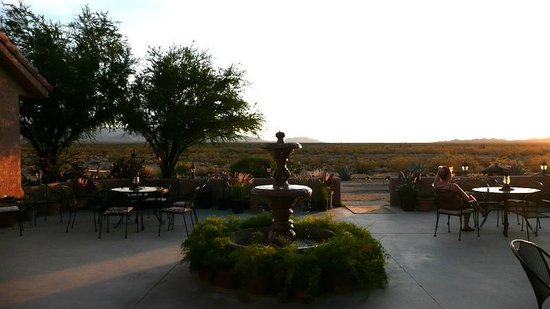Stagecoach Trails Guest Ranch : Sunset on the patio
