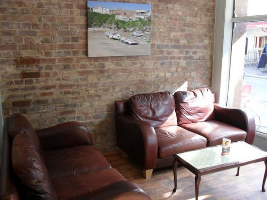Cafe Indulgence: Great soft seats for people watching