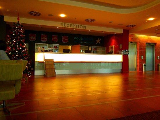 Aquapalace Hotel Prague: Rezeption