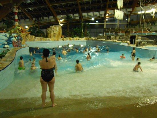 Aquapalace Hotel Prague: Wellenbad