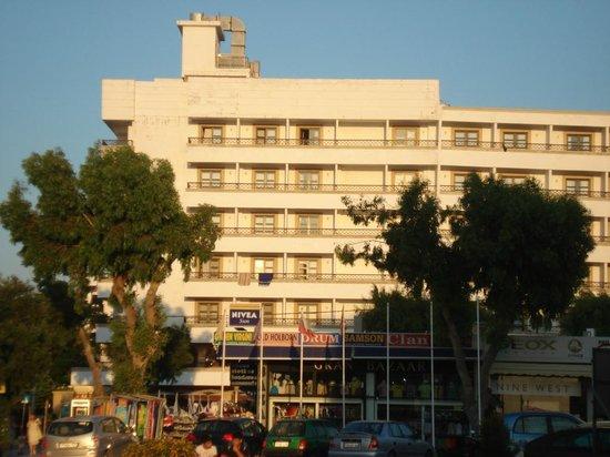 Petit Palais: Hotel