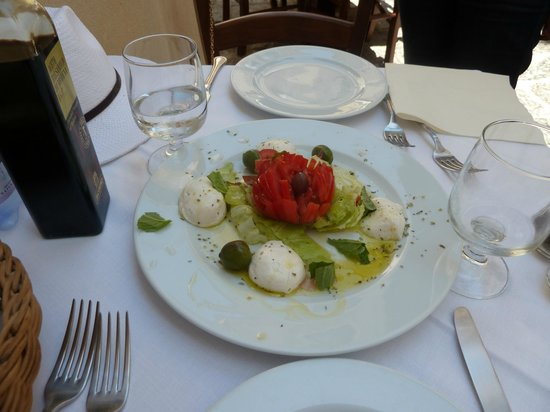 La Taverna di Masaniello: Salade Caprese ... miam