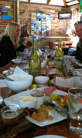 Cellar d'Or Winery Tours: Lunch!