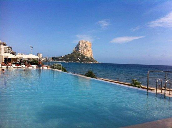 Hotel sol y mar vista da piscina picture of gran hotel for Piscinas calpe