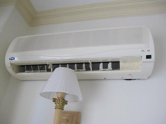 Asfiya Hotel : Air Conditioner