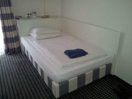 Relexa Waldhotel Schatten: Bett