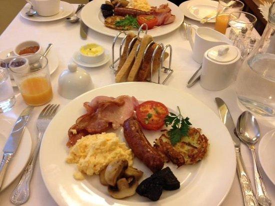 Riverside B&B: Amazing Full English Breakfast