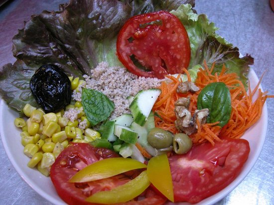 La Coccinelle : my starter, mix salad, wholesome!