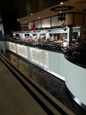 Sea Planet Resort & Spa : dessert selection