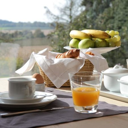 Myrrhis Bed and Breakfast: breakfast with a view