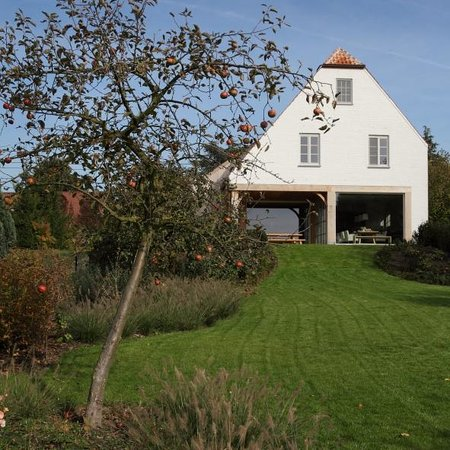 Myrrhis Bed and Breakfast: view from the garden