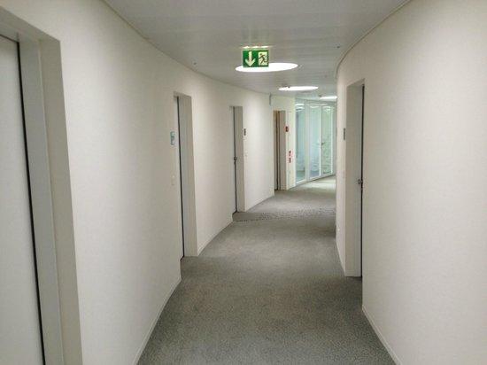 HSG Alumni Haus: hallway