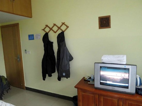 Yangshuo Travellers Land Youth Hostel : Private twin room