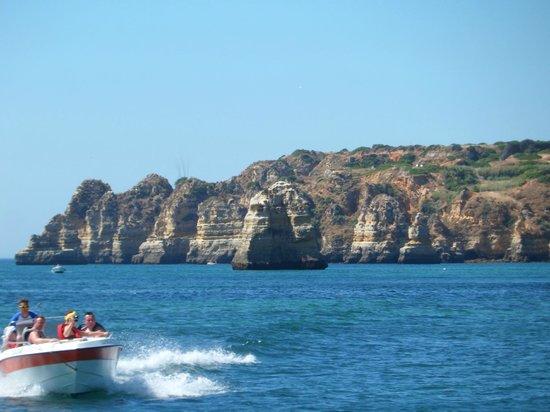 Bom Dia Boattrips-Day Boat Tours: Bom Dia trip