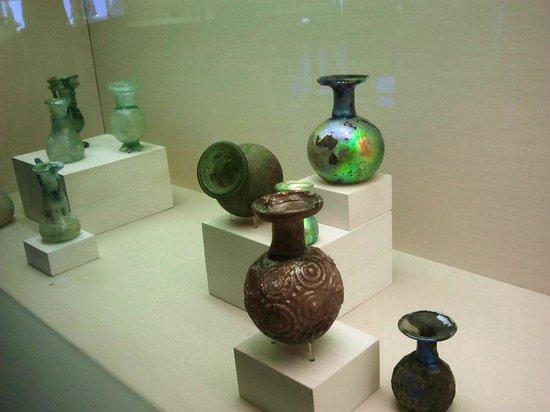 Eretz Israel Museum Complex (Haaretz Museum): first met the Mrs there looking for an old mug