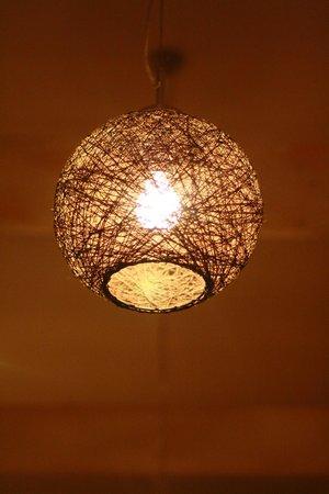 Tahruah Thai & Vietnamese Restaurant: Lamp