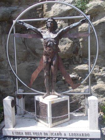 piazza garibaldi - commemorazione leonardo da vinci