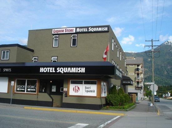 Hotel Squamish: Hotel Außenansicht