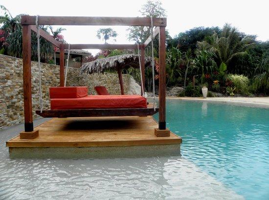 The Havannah, Vanuatu: Poolside