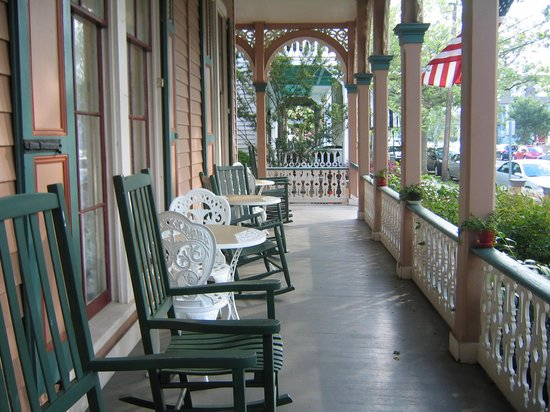 The Mason Cottage Bed & Breakfast Inn : The Porch