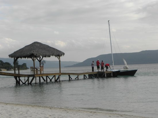The Havannah, Vanuatu: Preparing for the Sunset Cruise