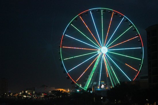 SeaGlass Tower: skywheel at night