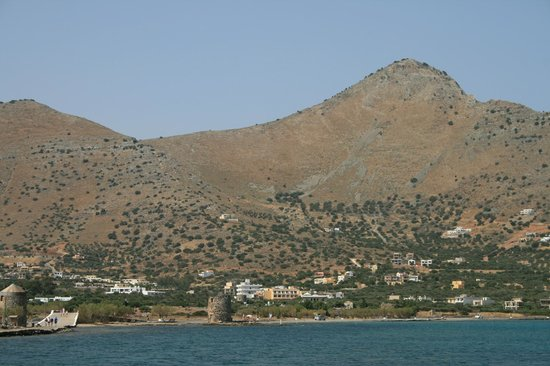 Elounda Island Villas: View across the bay from our villa