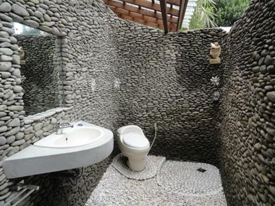 Jiwa Damai Organic Garden & Retreat: Handmade bathroom