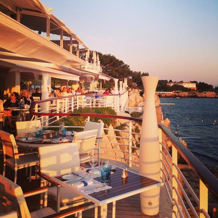 View from the pool picture of eden roc restaurant for Restaurant antibes