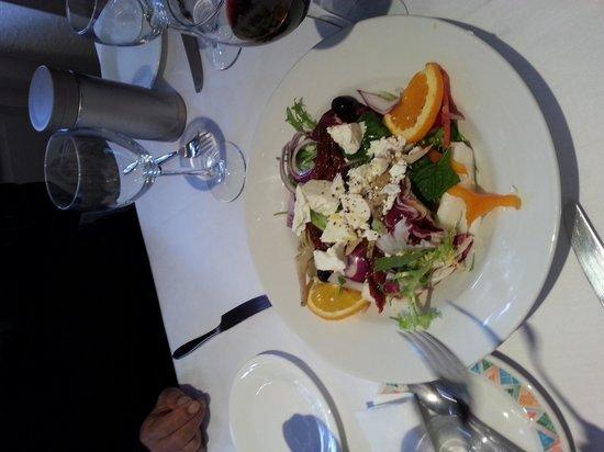 La Mimosa: salad