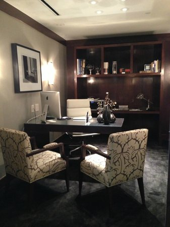 Four Seasons Hotel Washington, DC: Office