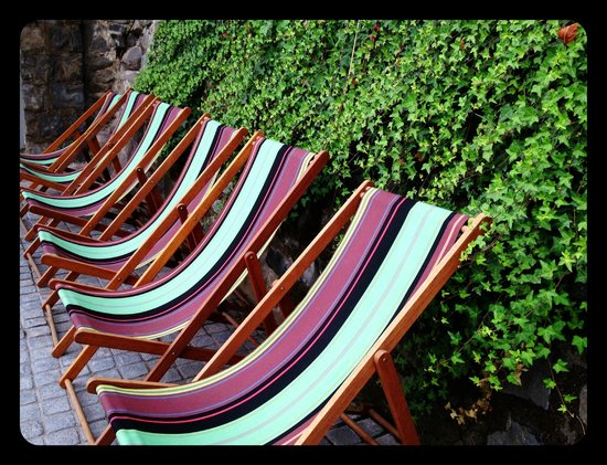 The Aubrey Boutique Hotel: fabulous fabric by the pool