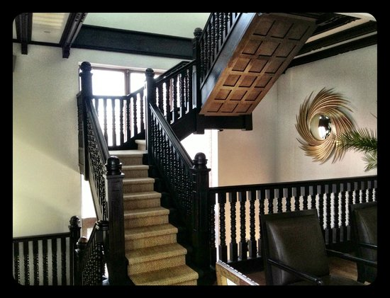 The Aubrey Boutique Hotel: gorgeous original staircases