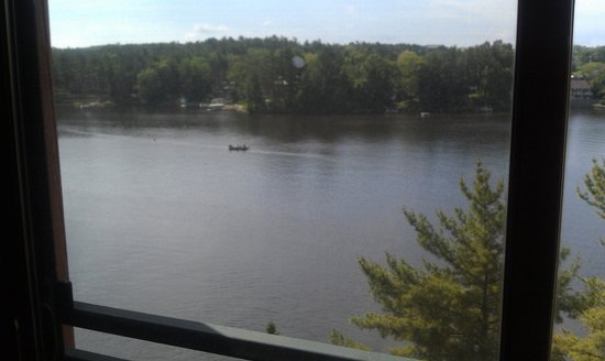 Wilderness on the Lake : view of Lake Delton