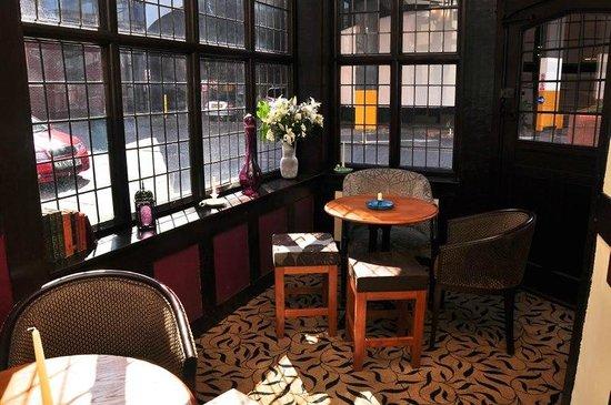 The Cardinal's Hat Inn: The Snug