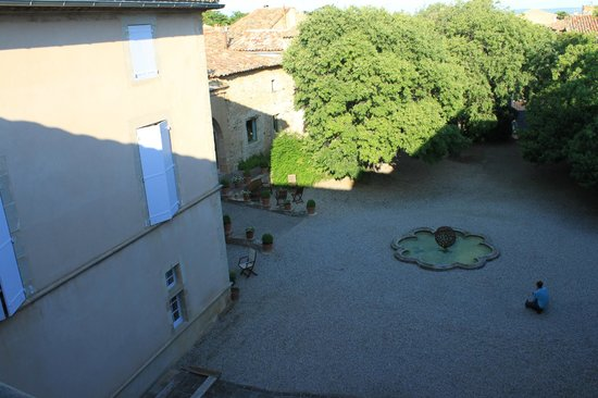 Château de Jonquières : Vue de la terrasse.