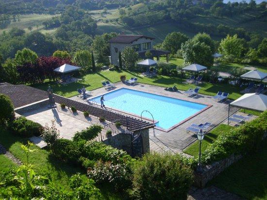 Borgo Corsignano: Giornata perfetta per  un tuffo in piscina