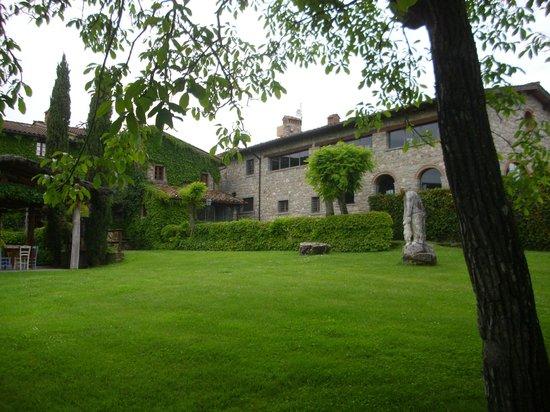 Borgo Corsignano: Panoramica di una parte del complesso