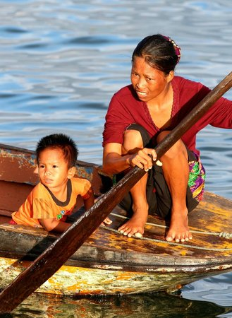 Filipino Market: At the waterfront