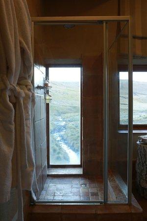 Tenahead Lodge: The amazing showers