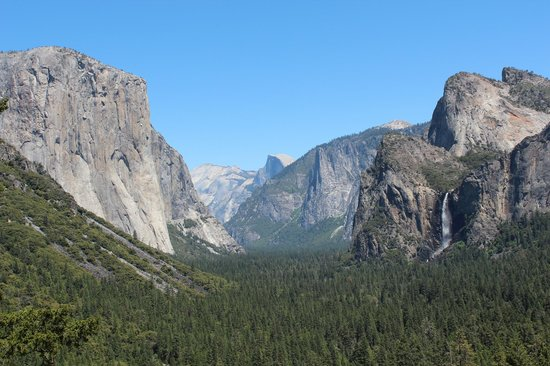 "Discover Yosemite: View through Yosemite Valley from ""The Tunnel"""