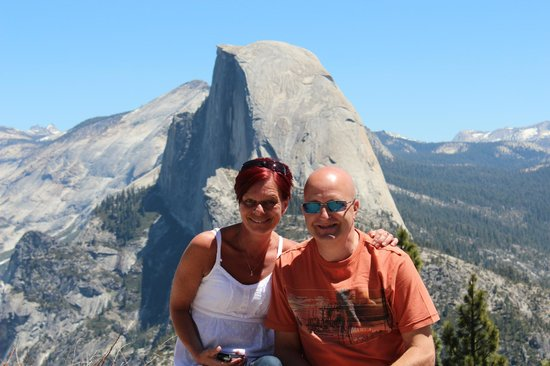 Discover Yosemite: From Glacier Point towards Half Dome