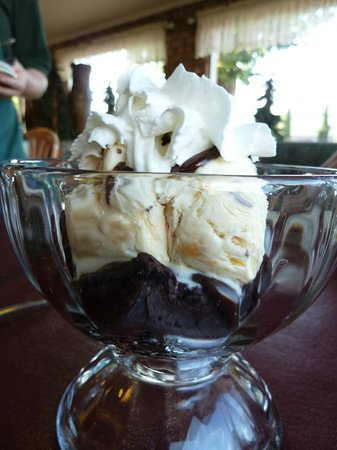 The Three Bears Creamery Cottage: Gluten Free Brownie Sundae