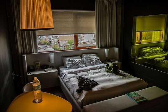 room picture of hotel zero 1 montreal tripadvisor. Black Bedroom Furniture Sets. Home Design Ideas